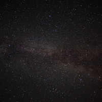 800px-Night-sky-milky-way-galaxy-astrophotography_-_West_Virginia_-_ForestWander